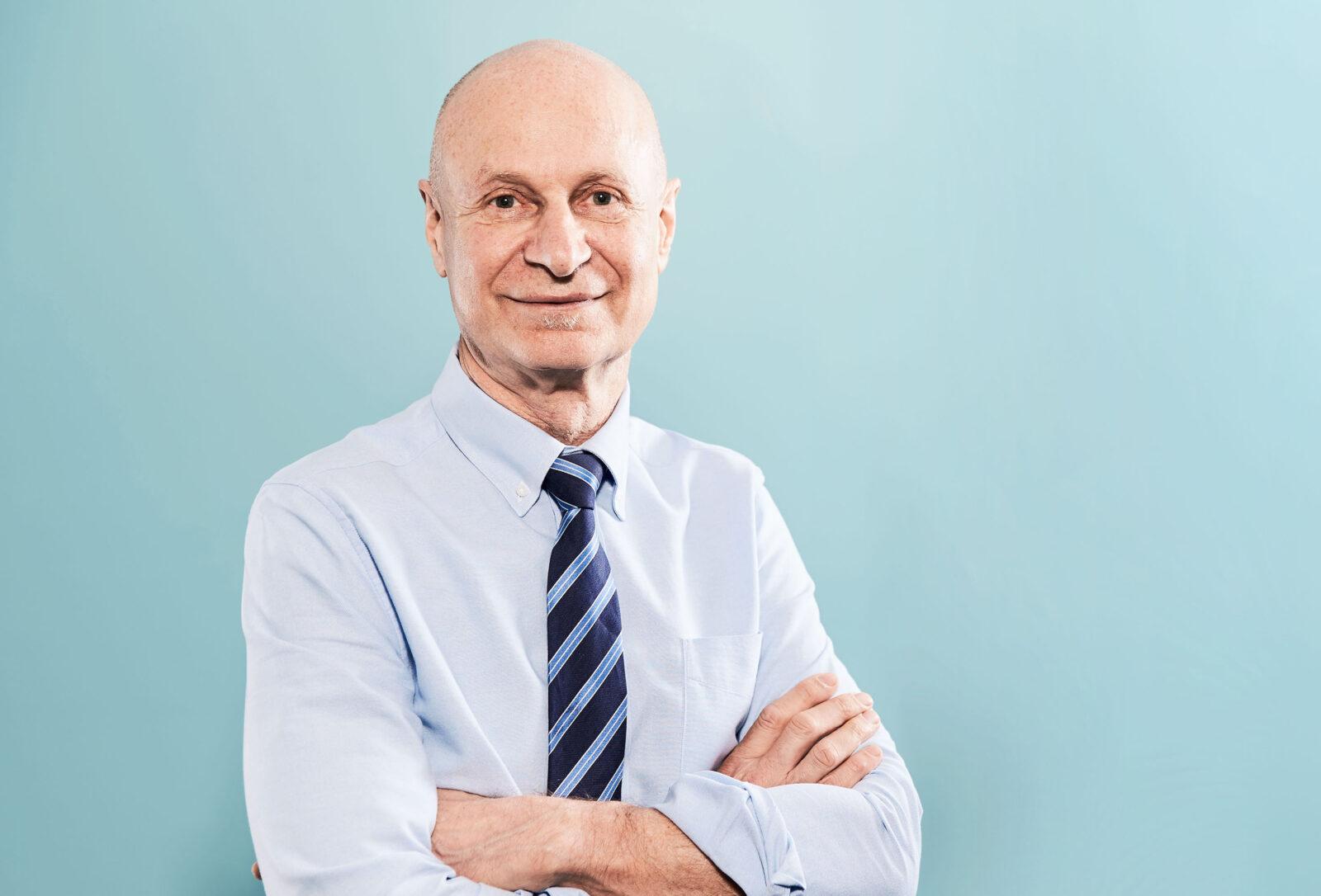 Associate Professor Philip Bekhor